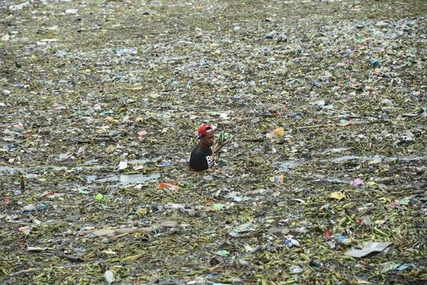 Как Филиппины с Канадой из-за мусора поругались