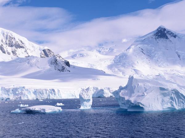 В Арктике зафиксировано аномальное таяние льда