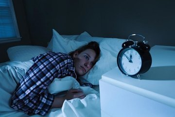 Всего лишь одна бессонная ночь способна повысить уровень тревоги человека в несколько раз