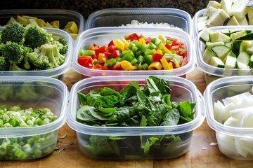 Ученые: хранить еду в пластиковых контейнерах вредно